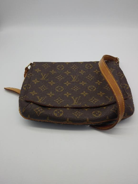 Just in – Louis Vuitton Tango and a Burberry Cashmere Scarf