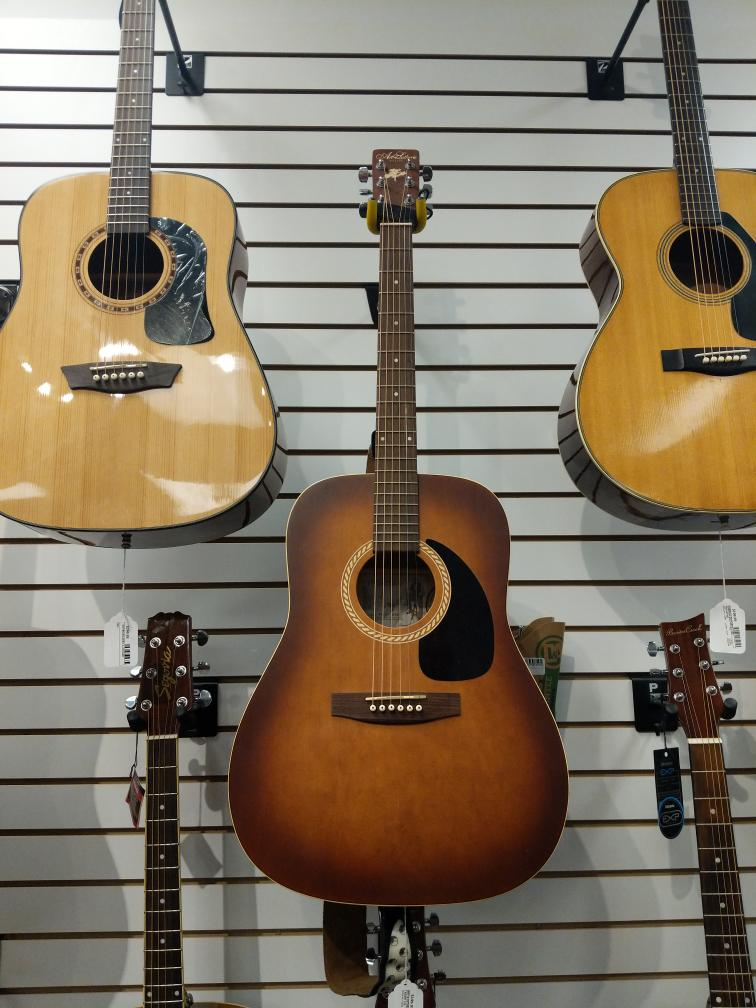 24 Feb 2020 – Art & Lutherie Acoustic Guitar – $199