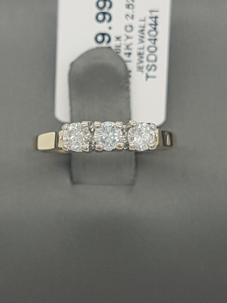 16 June 2020 – 14K Gold 3 Diamond (.42ctw) Ring – $289