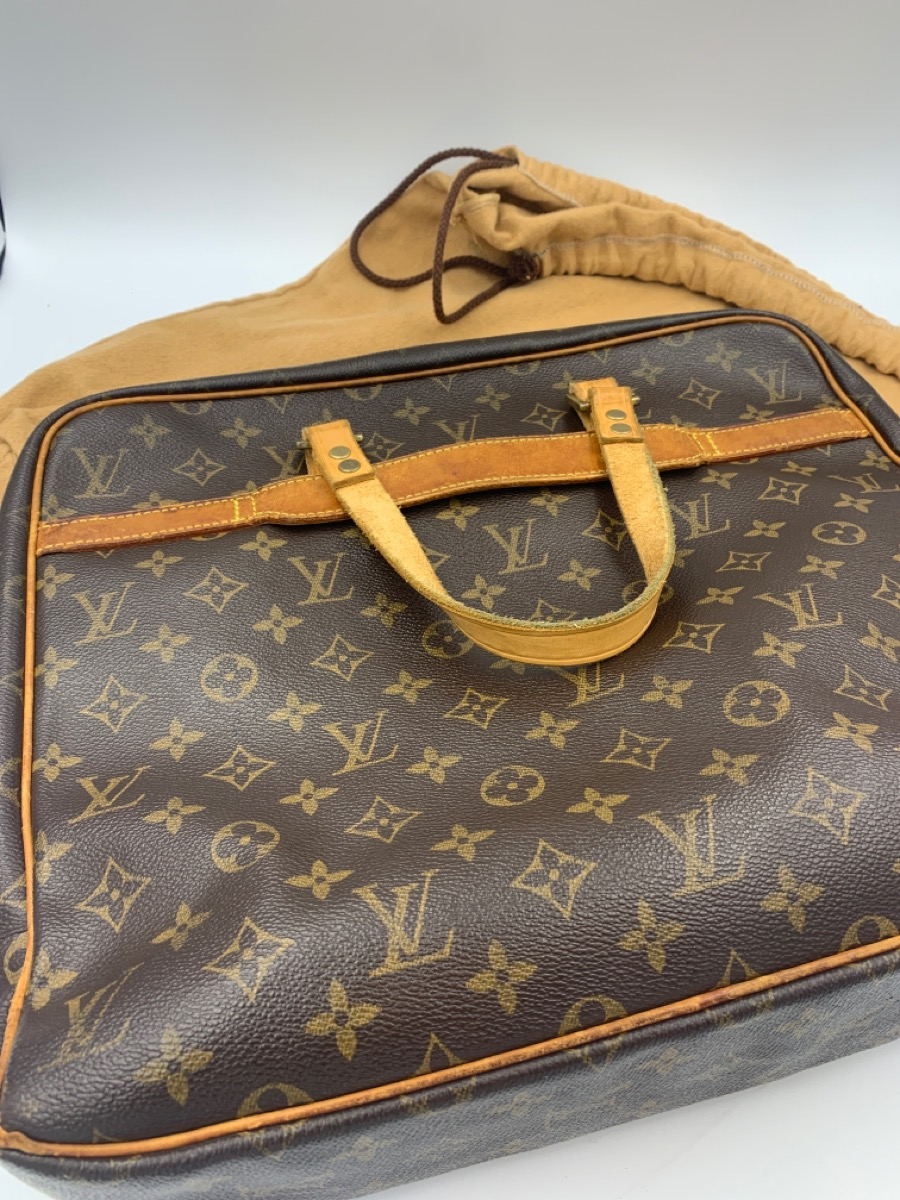 11 Aug 2020 – Louis Vuitton Monogram Pegase Briefcase – $599