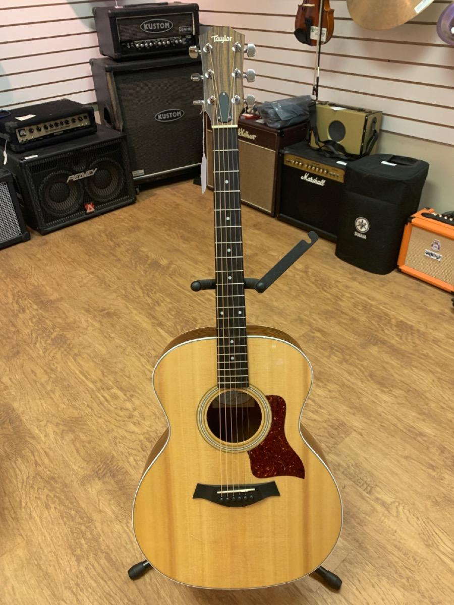 15 Aug 2020 – Taylor 214 Acoustic Guitar – $899