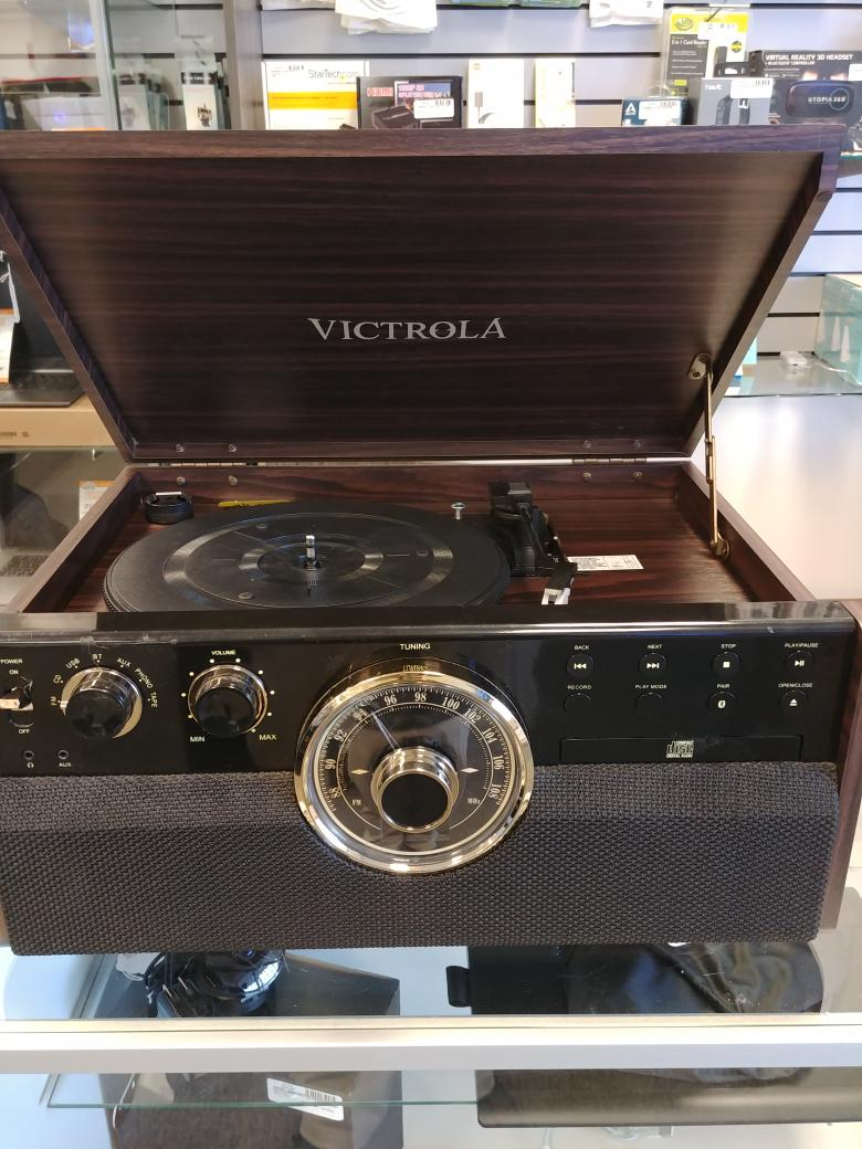 19 Nov 2020 – Victrola Turtable/CD/Radio Combo – $125
