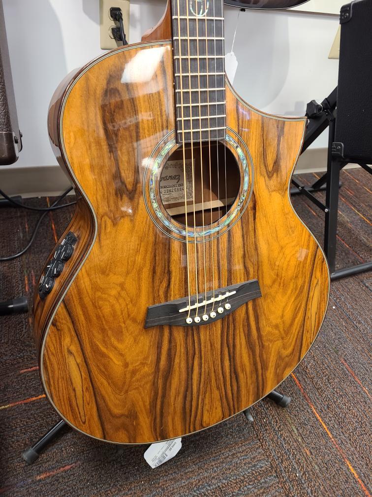 Wed Mar 10 – Ibanez Acoustic/Electric Guitar – $499