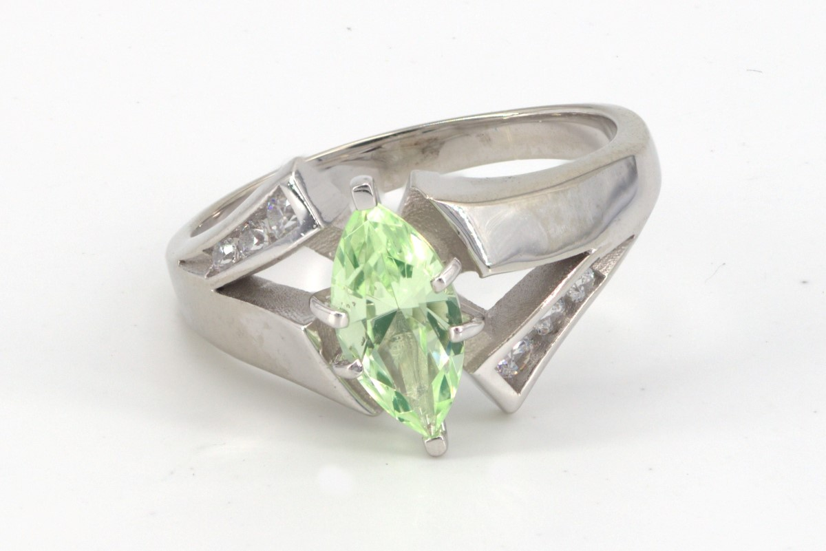 Tues Mar 16 – 10K White Gold fashion ring – $249