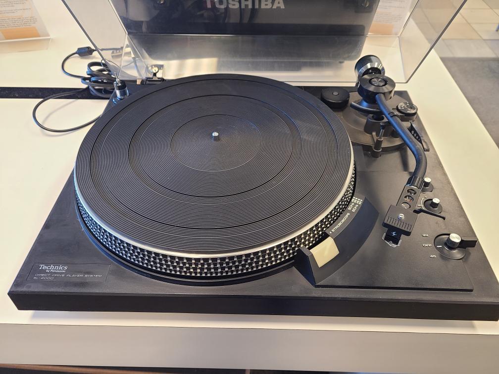 Wed Mar 17 – Technics SL-2000 Vintage Direct Drive Turntable – $299