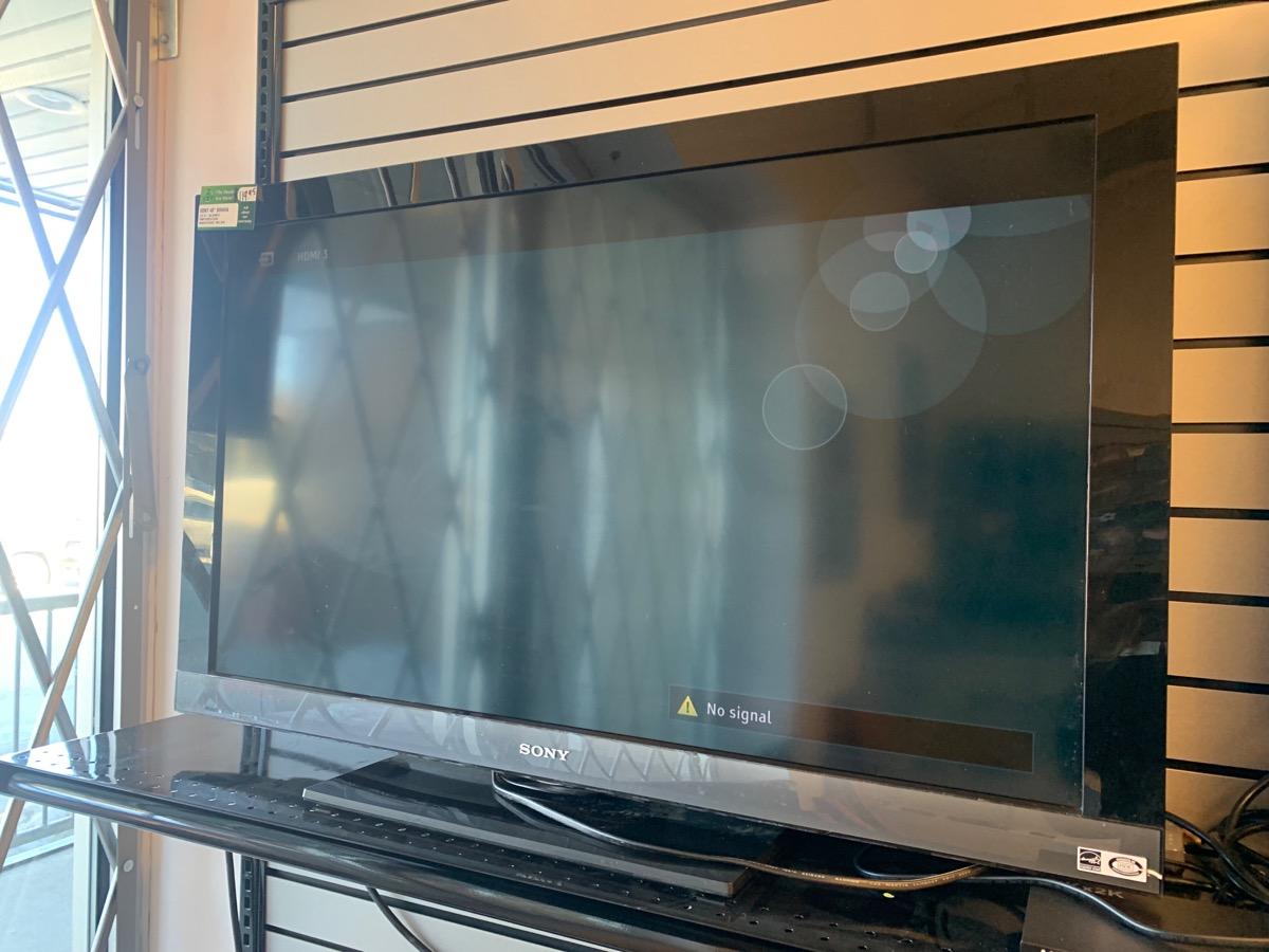 Sat Mar 20 – Sony Bravia 40″ LCD TV (no remote) – $119