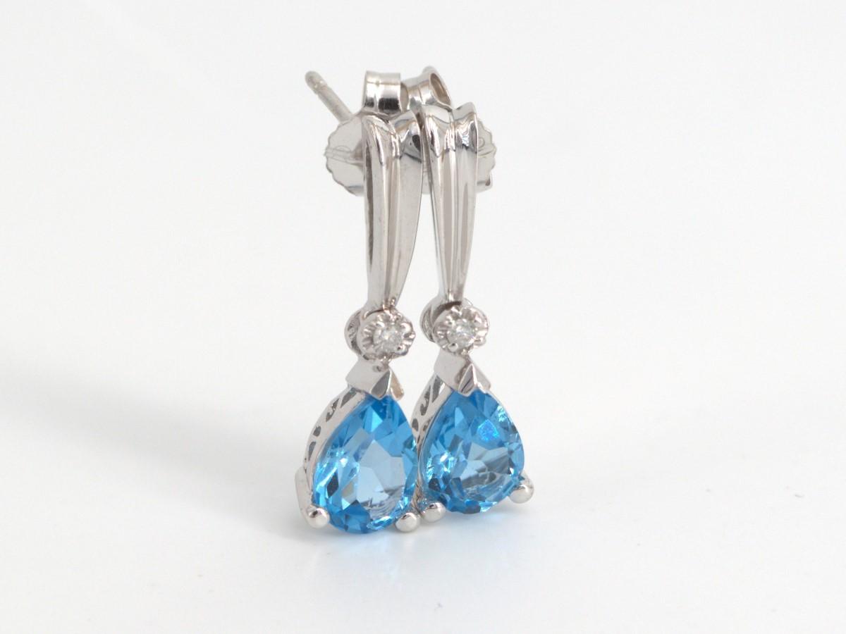 Thurs Apr 15 – 10K White Gold Earrings – $109