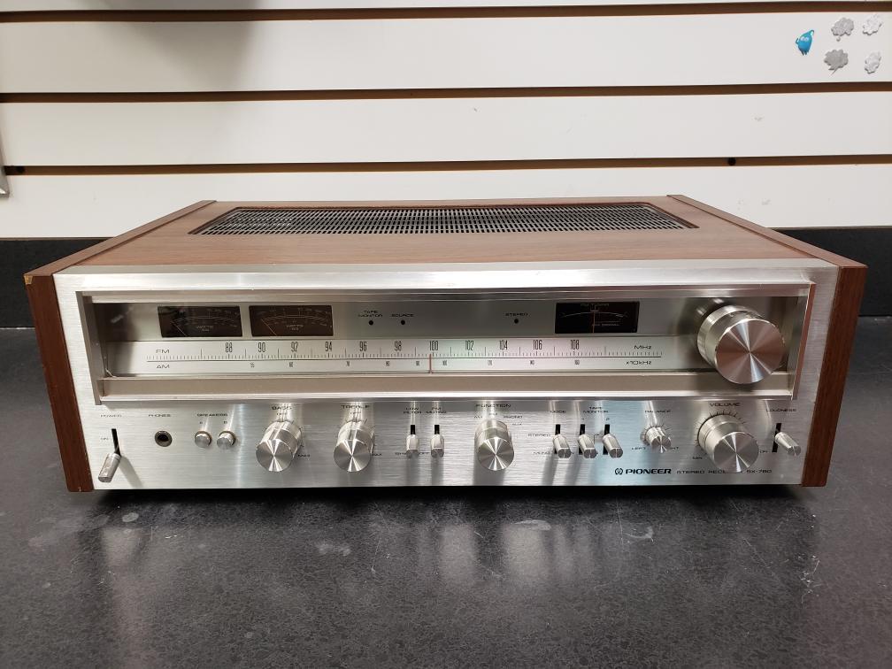 Mon Apr 19 – Pioneer SX-780 Vintage Receiver – $599