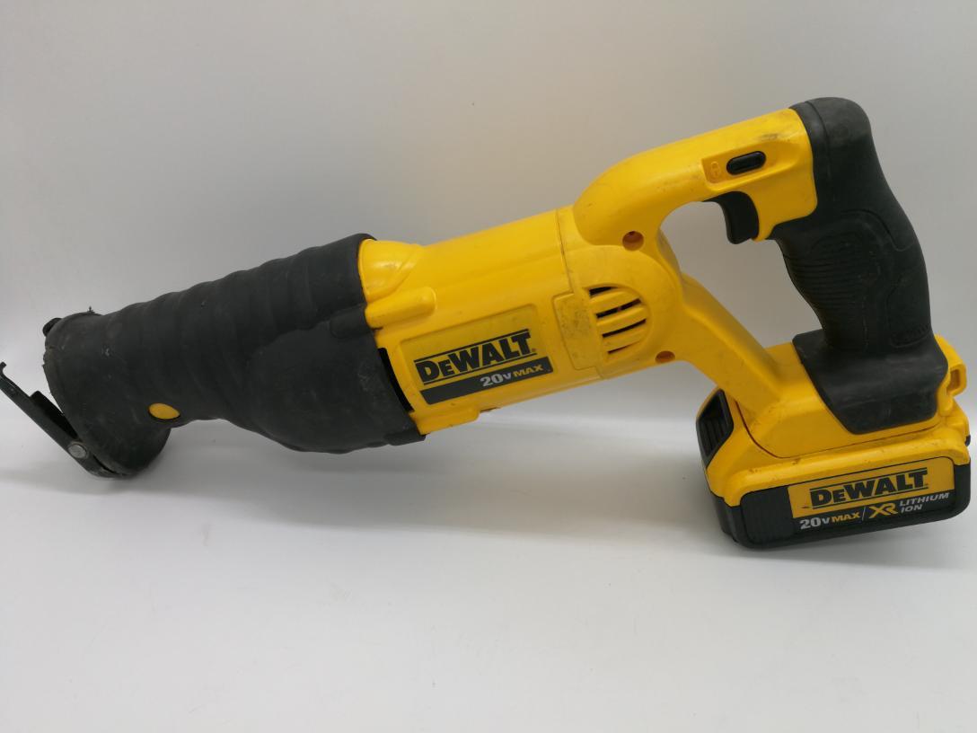 Fri Apr 9 – Dewalt DCS380 Li-Ion Cordless Reciprocating Saw – $109
