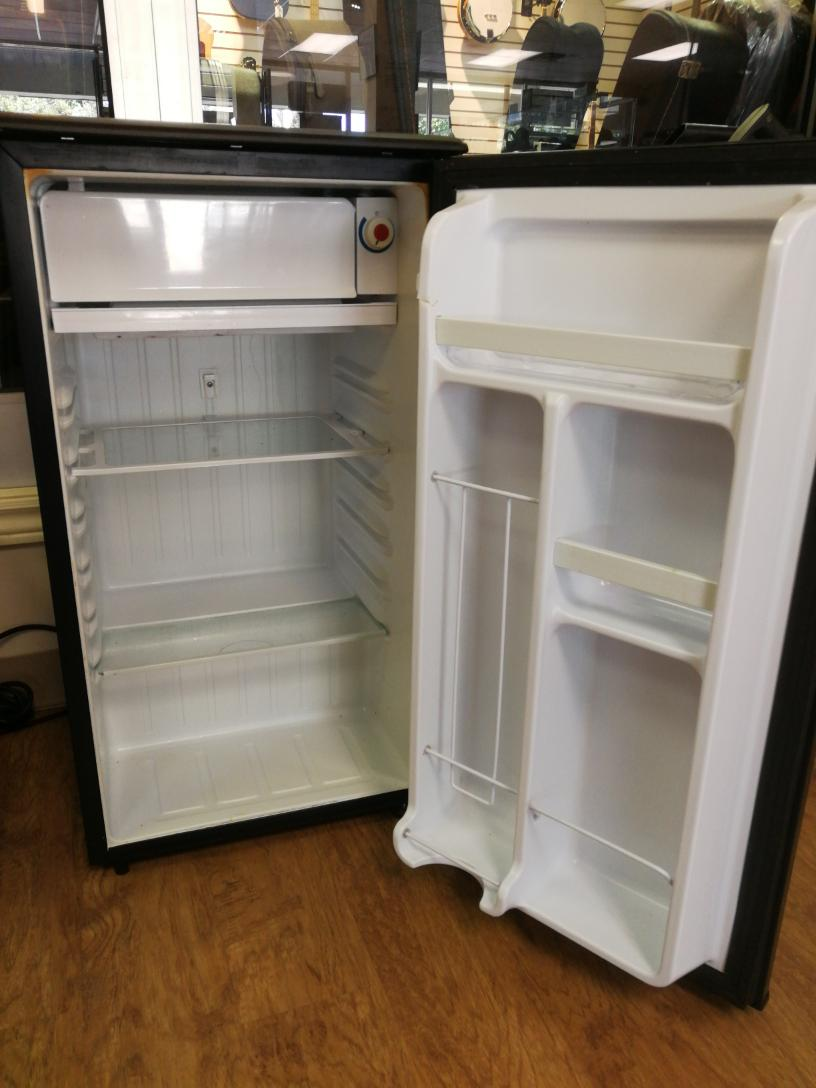 Sat Sept 18 – Danby 3.2 Cubic Feet Refrigerator – $99