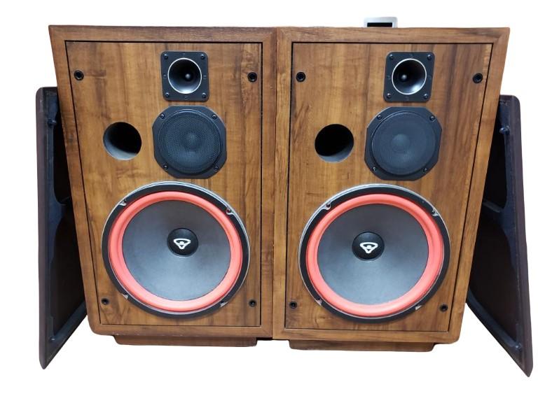 Sat Sept 4 – Cerwin Vega D5 Vintage Loudspeakers – $399